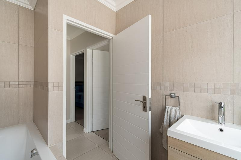 Property For Sale in Buh-rein, Cape Town 12