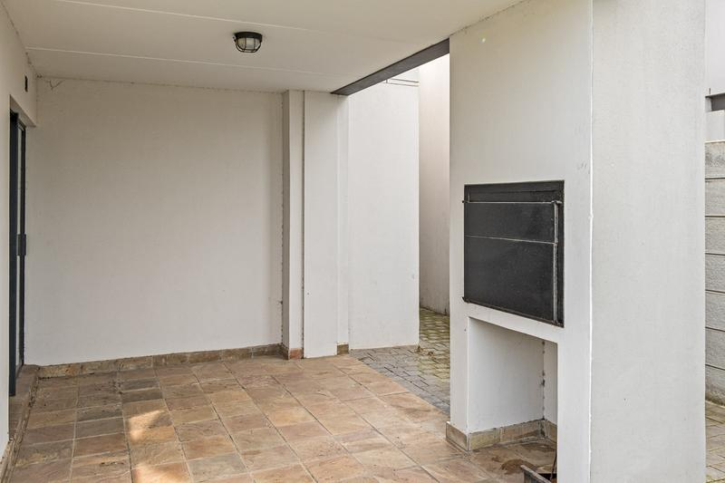 Property For Sale in Buh-rein, Cape Town 15