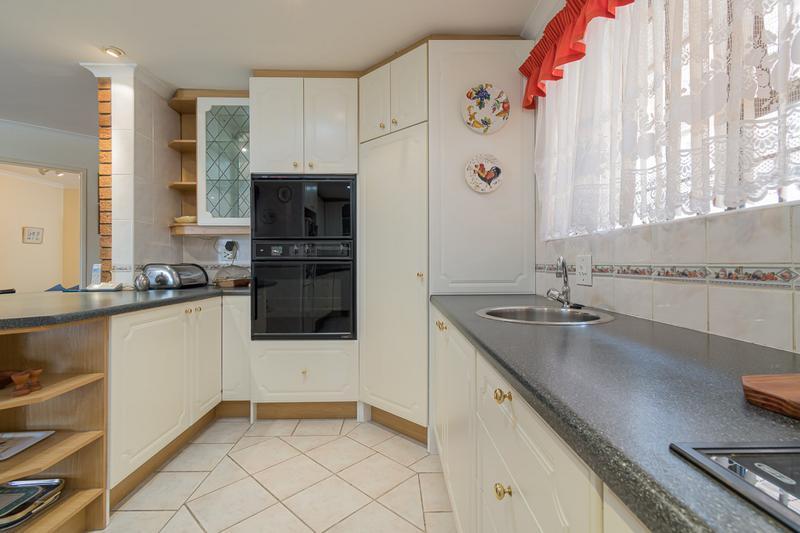 Property For Sale in Vergesig, Durbanville 12