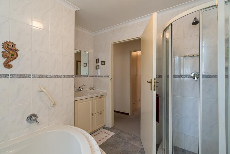 Property For Sale in Vergesig, Durbanville 17