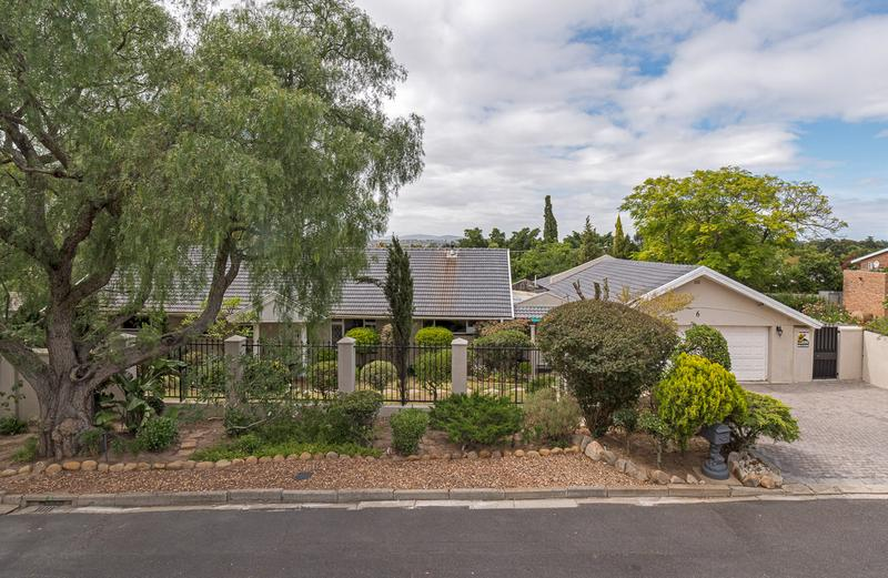 House For Sale in Proteaville, Durbanville