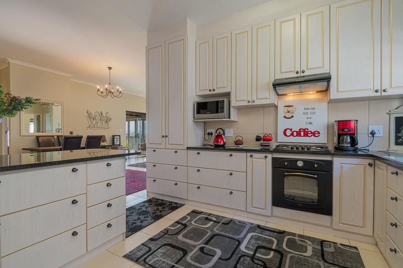Property For Sale in Avalon Estate, Durbanville 10