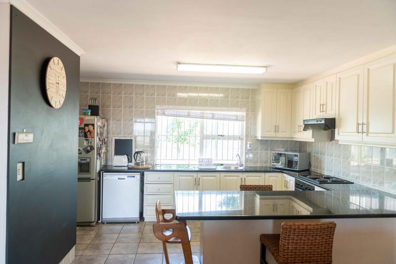Property For Sale in Vierlanden, Durbanville 17