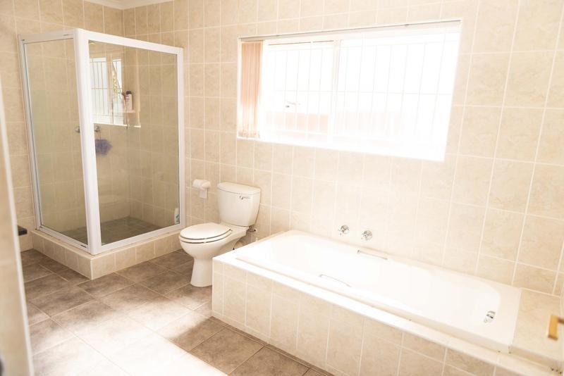 Property For Sale in Vierlanden, Durbanville 32