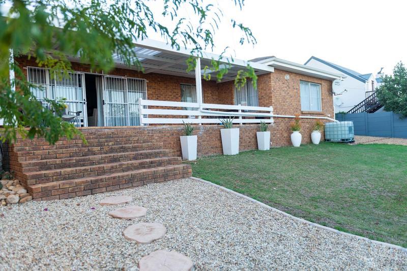 Property For Sale in Vierlanden, Durbanville 38