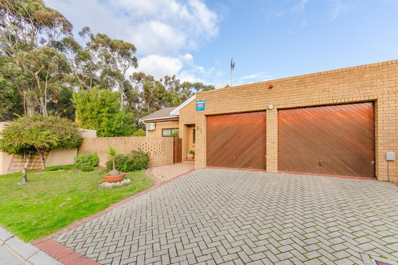 Property For Sale in Vergesig, Durbanville 17