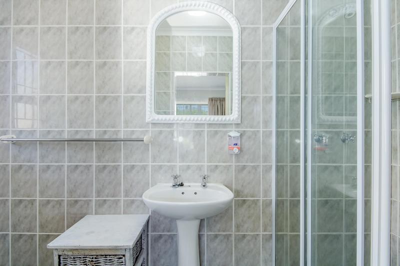 Property For Sale in Vierlanden, Durbanville 10