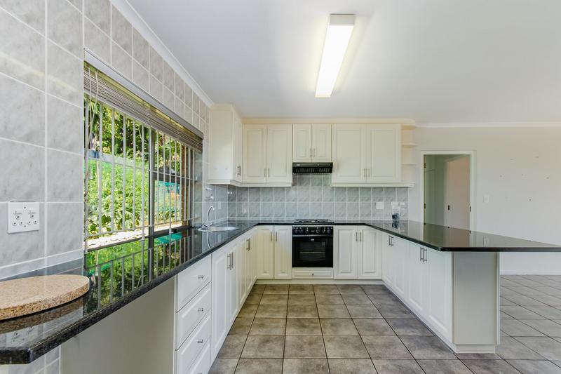 Property For Sale in Vierlanden, Durbanville 15