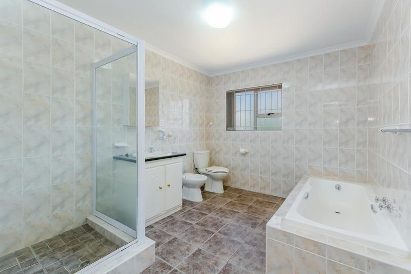 Property For Sale in Vierlanden, Durbanville 20