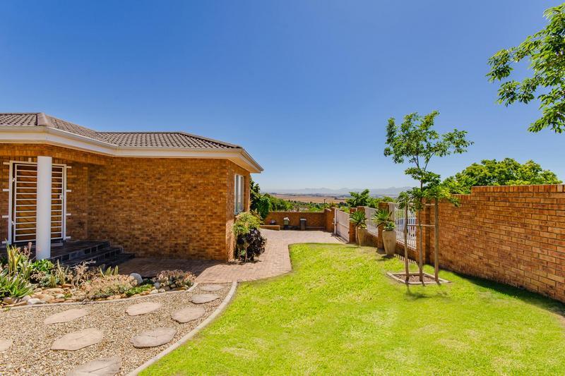 Property For Sale in Vierlanden, Durbanville 35