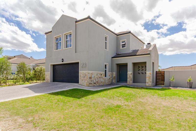 Property For Sale in Avalon Estate, Durbanville 4