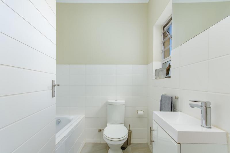 Property For Sale in Avalon Estate, Durbanville 18