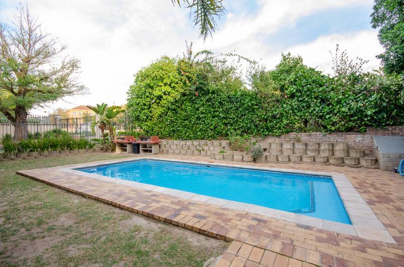 Apartment / Flat For Sale in Durbanville Central, Durbanville