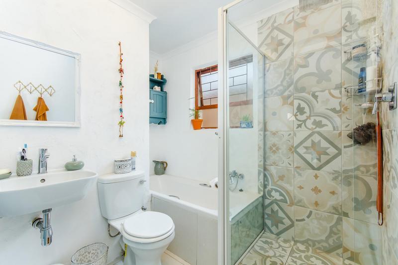 Property For Sale in Durbanville Central, Durbanville 17