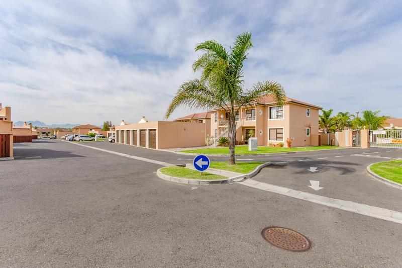 Property For Sale in Durbanville Central, Durbanville 32