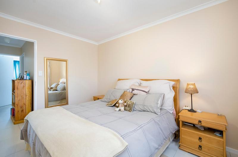 Property For Sale in Sonstraal Heights, Durbanville 10