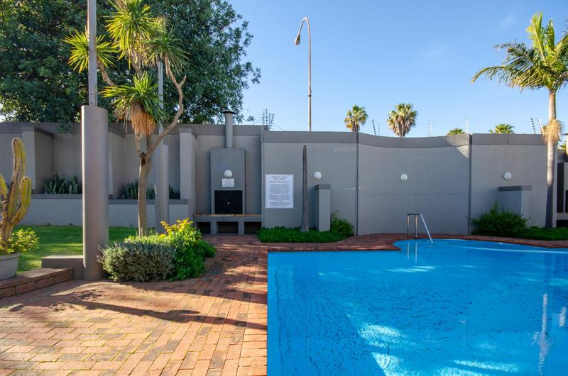 Apartment / Flat For Sale in Tyger Valley, Bellville