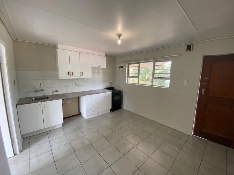 Apartment / Flat For Rent in Oakglen, Bellville
